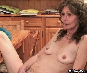 bilder von sexy minderj porno sexy brünette kellnerin