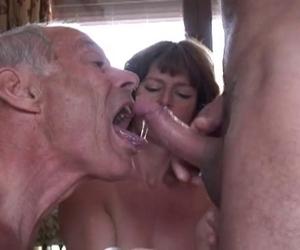 trampolin titten sex in der sauna video italienischen