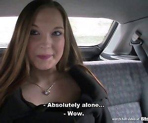 Hündin STOP - Busty Tschechische Mädchen gefickt in den Keller