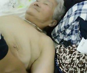 80yr alten japanischen Oma bekommt immer Noch Rahmspinat (Unzensiert)