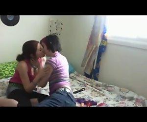 Amateur teen Lesben machen erstaunliche hausgemachte sex tape