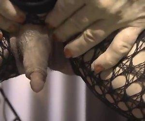 Colette und Ihr enormes erigierte Klitoris