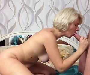 Schönheit russische Amateur Girl Macht Bj und Sperma in den Mund