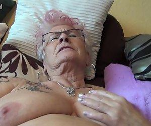 Sehr alte Deutsche Oma und Ihr saggy Titten