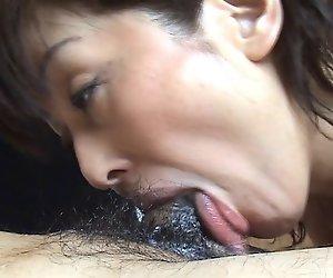 Sie wie lutschen und Sperma 03
