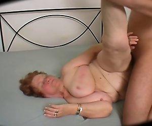 Big Butt Kurvige Oma - 69