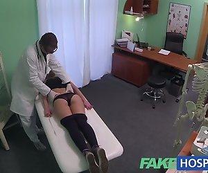 FakeHospital Hot 20er Turner verführt durch Arzt