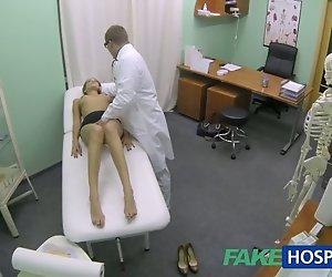 FakeHospital sexy girl mit großen Titten bekommt, ärzte, Behandlung
