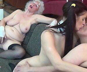 Oma Norma fickt MILF und nicht Ihre Tochter