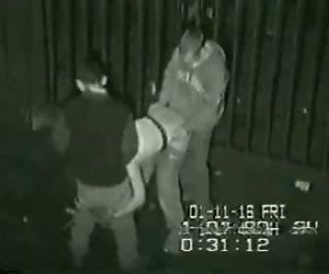 Sicherheit Filmmaterial von Dreier-Runde der Rückseite der club im Königreich