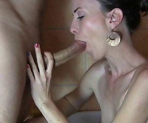 Die Perfekte Frau - Mund und Füße