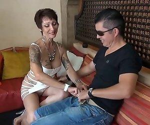 Catalya anal gefickt von einem fremden