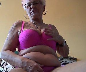 Großmutter Gerdi aus Deutschland ist eine geile Hausfrau