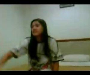 Malaiisch - Petite Teen
