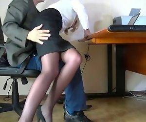 Versteckter Kamera gefilmt, einem bescheidenen Sekretär
