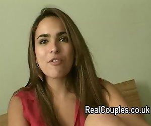 Echtes paar Valentina und David gefilmt