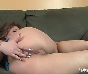 College-Studentin Anal Masturbation