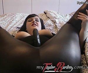 BBW-Taylor-Burton - Dirty Talk mit strap-on