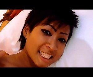 Kurzhaarigen asiatische Mädchen