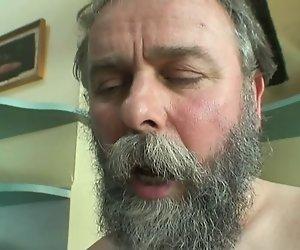 Horny Teen Gefickt Von Alter Mann
