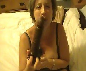 Milf Mama hat massive zuckende Orgasmus auf BBC dildo