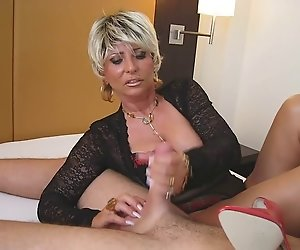 Lady Barbara Gesicht sitzen und streichelte einen Schwanz